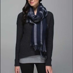 Lululemon Mudra scarf - new
